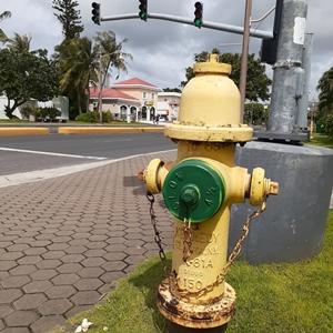 グアムの黄色い消火栓